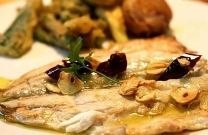 Sea bass fillet with garlic and mushrooms